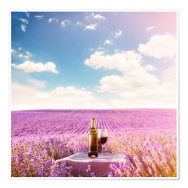 Póster  Red wine bottle and wine glass in lavender field