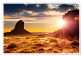 Póster  Sunset at the sisters in Monument Valley, USA