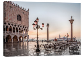 Lienzo  St. Mark's square in Venice during sunrise - Dieter Meyrl