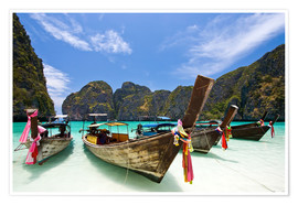 Póster  Long tail boat at Maya Bay on the island of PhiPhi