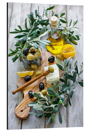 Aluminio-Dibond  Green and black olives with bottle of olive oil