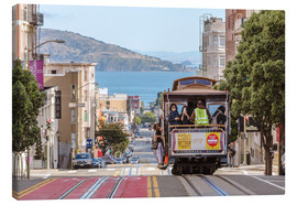 Lienzo  Cable car on a hill in the streets of San Francisco, California, USA - Matteo Colombo