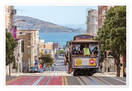 Póster  Cable car on a hill in the streets of San Francisco, California, USA - Matteo Colombo