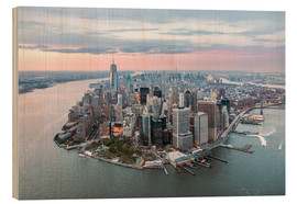 Madera  Aerial view of lower Manhattan with One World Trade Center at sunset, New York city, USA - Matteo Colombo