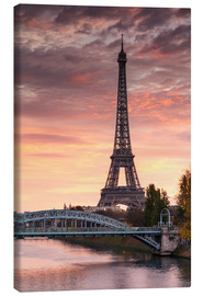 Lienzo  River Seine and Eiffel tower at sunrise, Paris, France - Matteo Colombo