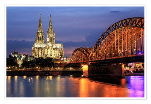 Póster Cologne Cathedral and Hohenzollern Bridge at night