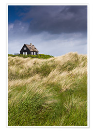 Póster  Cottage in the dunes during storm