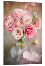 Romantic rose bouquet with feather