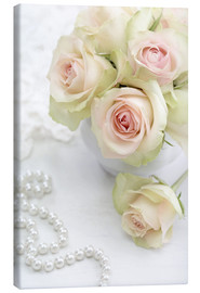 Lienzo  Pastel-colored roses with pearls