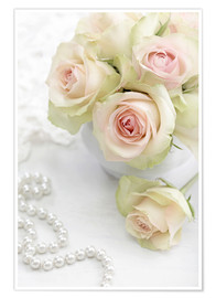 Póster  Pastel-colored roses with pearls