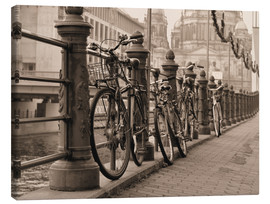 Lienzo  Bicycles on a promenade