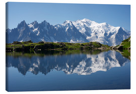 Lienzo  Lake with Mont Blanc massif