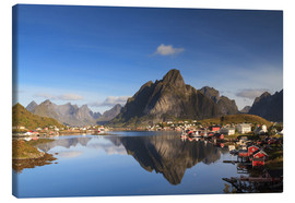 Lienzo  Refelction at Reine, Lofoten, Norway - Circumnavigation