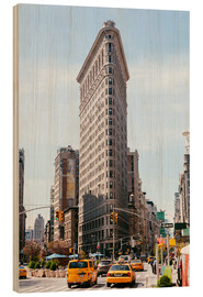 Cuadro de madera  Famous Flatiron building between Broadway and Fifth avenue, New York, USA - Matteo Colombo