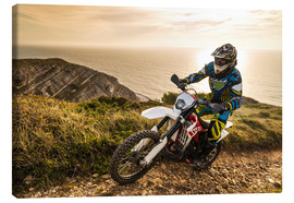 Lienzo  Enduro rider on a coastal road