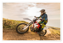 Póster Enduro rider on the coast