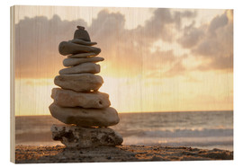 Madera  Little tower of pebbles