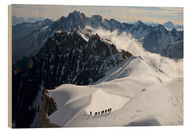 Cuadro de madera  Mountaineers and climbers, Aiguille du Midi, Mont Blanc Massif, Chamonix, Haute Savoie, French Alps, - Peter Richardson