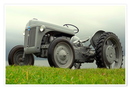Póster  The Ford 2N tractor