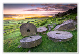 Póster  Stanage Edge millstones at sunrise, Peak District National Park, Derbyshire, England, United Kingdom - Andrew Sproule