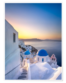 Póster  Sunrise over the blue roofs of Santorini - Jan Christopher Becke