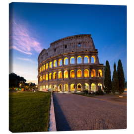 Lienzo  The Colosseum at night in Rome, Italy - Jan Christopher Becke