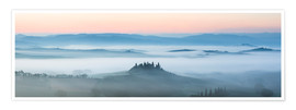 Póster Panoramic landscape: Belvedere farmhouse in the mist