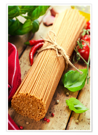 Póster whole wheat spaghetti with ingredients