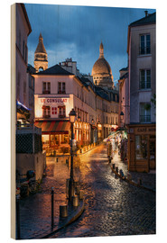 Cuadro de madera  Street in Montmartre with Basilica of Sacre Coeur, Paris, France - Jan Christopher Becke