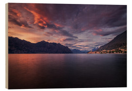 Cuadro de madera  Sunset at Lake Garda with view on Malcesine - Dennis Fischer