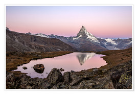 Póster  Matterhorn reflected in Lake Stellisee, Switzerland - Roberto Sysa Moiola