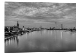 Cuadro de metacrilato  Düsseldorf skyline in the evening in black and white - Michael Valjak