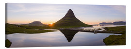 Lienzo  Midnight sun at Kirkjufell mountain, Iceland - Matteo Colombo