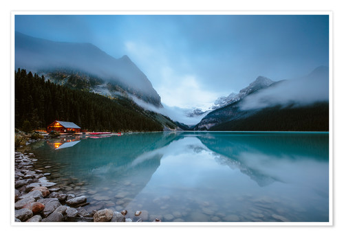 Póster Misty lake Louise, Banff, Canada