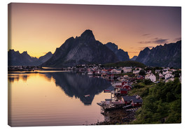 Lienzo  Sunset in Reine, Lofoten, Norway - Dennis Fischer