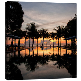 Lienzo  Luxury infinity pool on the Gulf of Thailand