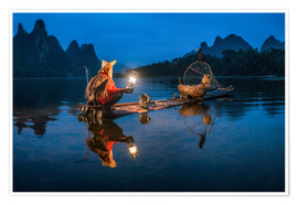 Póster Chinese cormorant fisherman in front of karst landscape in Guilin, China
