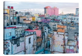 Lienzo  Authentic view of a street of Old Havana