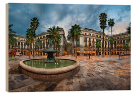 Madera  Placa Reial in Barcelona