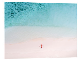 Cuadro de metacrilato  Drone view of woman on the beach, Maldives - Matteo Colombo