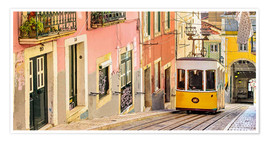 Póster  Yellow tram in Lisbon's old town - Jörg Gamroth