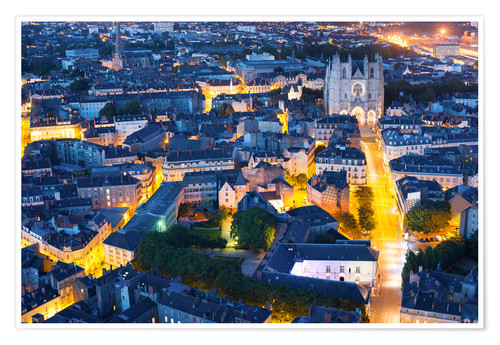 Póster Aerial view of Nantes at a summer night