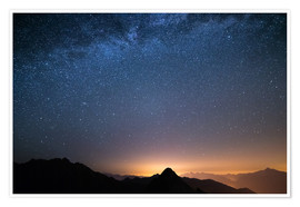 Póster Starry sky and the majestic high mountain range of the Alps,
