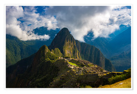 Póster Light and clouds over Machu Picchu, Peru