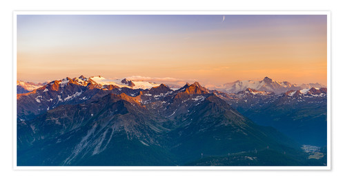 Póster Sunset over rocky mountain peaks, ridges and valleys, the Alps.
