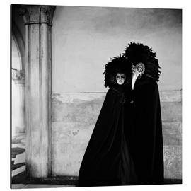 Cuadro de aluminio  Couple wearing costumes and masks at the annual Carnivale. Venice, Italy - Millennium Images