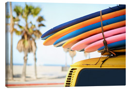 Lienzo  Multi-coloured surfboards tied onto vehicle, Venice Beach, Los Angeles, USA - Image Source
