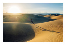 Póster Runner sprinting in desert, Death Valley, California, USA