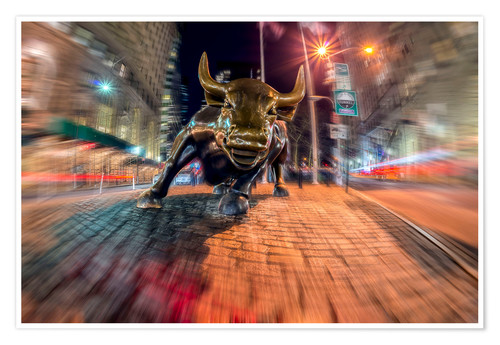 Póster Wall Street bull at nighttime, Bowling Green; New York City, New York, United States of America