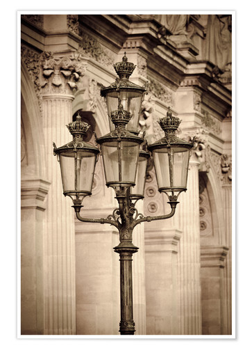 Póster Lamp posts and columns at the Louvre Palace, Louvre Museum, Paris, France.